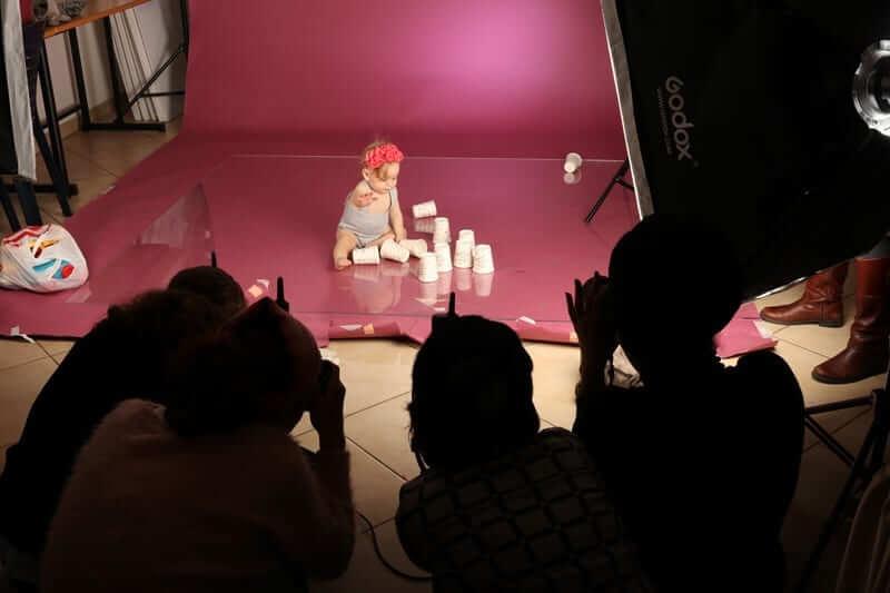קורס צילום - קניית רקע ותאורה לסטודיו